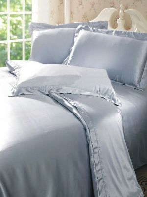 Grey silk duvet